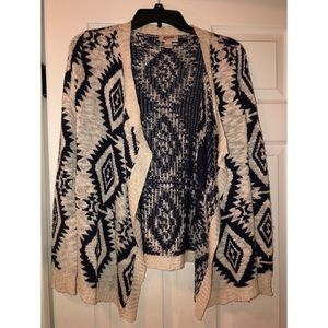 Sweaters - Really cute cardigan !